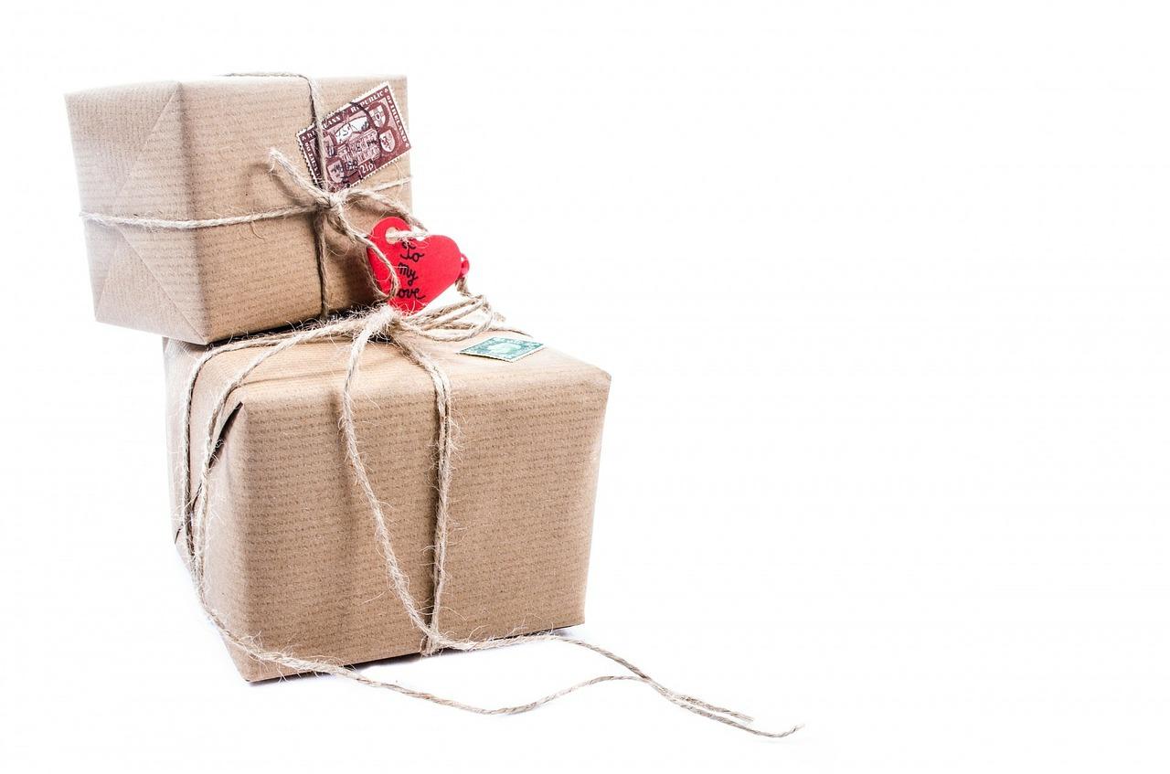 Cadeau Inpakken Zonder Nieuw Aangeschaft Inpakpapier