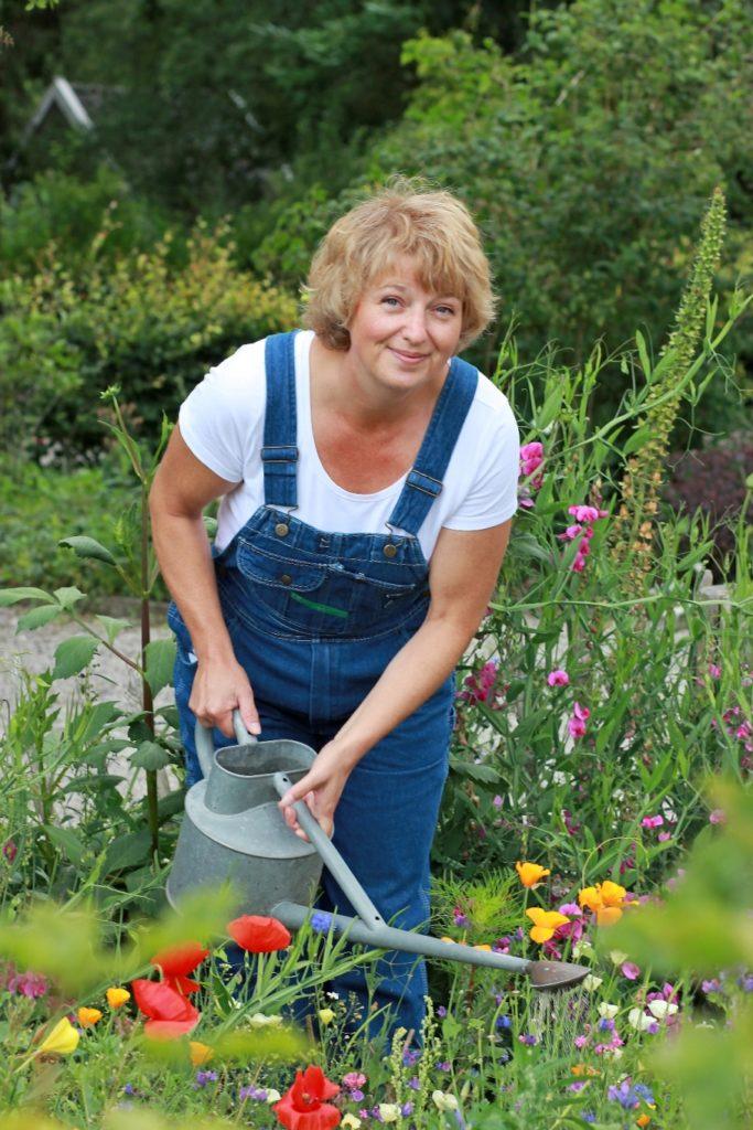 contact met jessica die in de tuin is